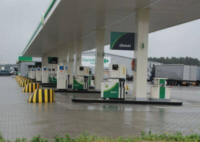 Instalacja-sterownika-dystrybutorow-paliwa-i-AdBlue-BP-Port-Swiecko-03