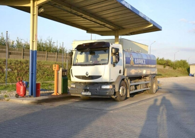 Automatyka dla 5 stacji paliw, 20 hurtowni, 4 sklepów i blisko 8000 kart zbliżeniowych w OSM Łowicz