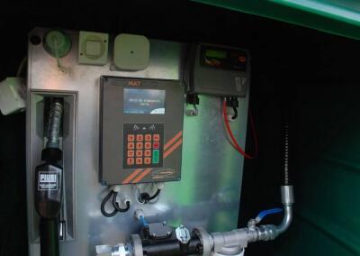Zbiornik-na-paliwo-z-dystrybutorem-i-automatem-Lisie-Katy-09