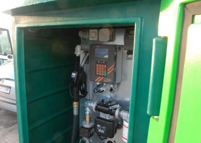 Zbiornik-na-paliwo-z-dystrybutorem-i-automatem-Lisie-Katy-11
