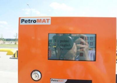 system-zarządzania-siecią-stacji-paliw-z-autoryzacją-on-line-E100-08