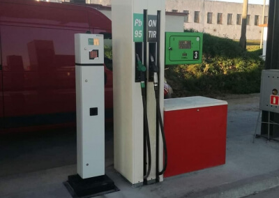 Dystrybutor paliwa i tankomat z drukarką