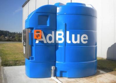 AdBlue w plastikowym zbiorniku