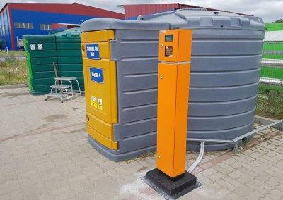 Plastikowe zbiorniki 5000 litrów na ON z dystrybutorem i automatem do wydawania paliw