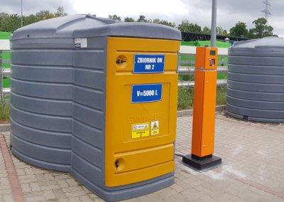 Plastikowy zbiornik 5000 litrów na ON z dystrybutorem i automatem do wydawania paliw