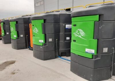 Plastikowy zbiornik na paliwo 5000 z dystrybutorem i automatem do tankowania