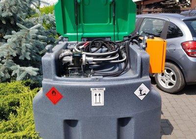 mobilny zbiornik z dystrybutorem i automatem